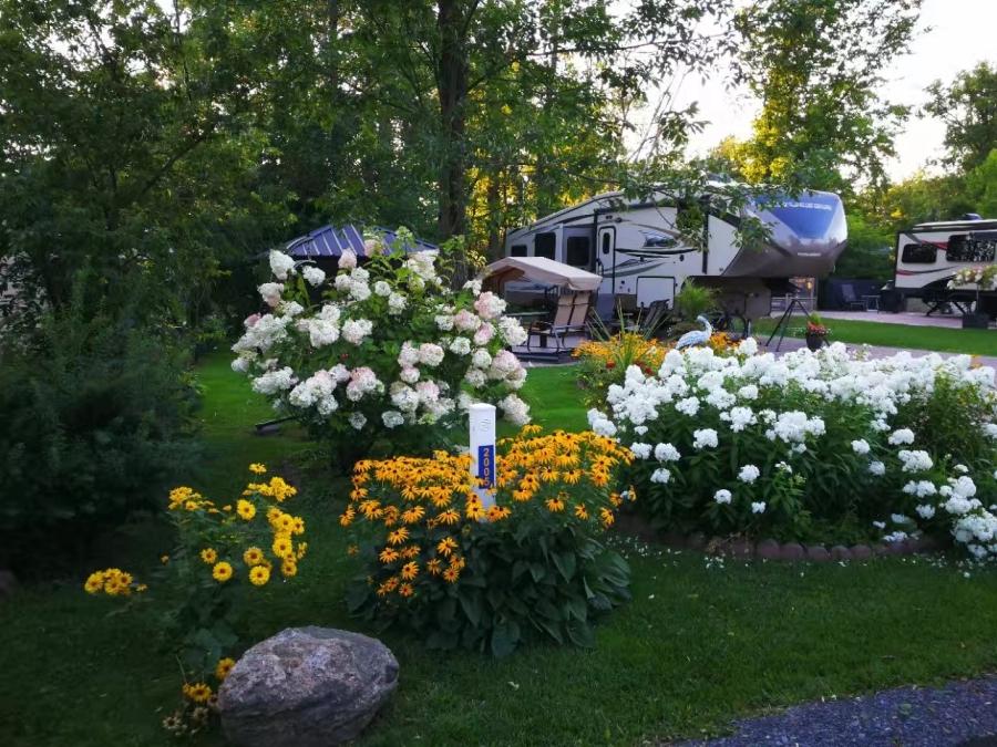 魁北克Gaspe半岛房车游2017(二):蒙特利尔的房车营地